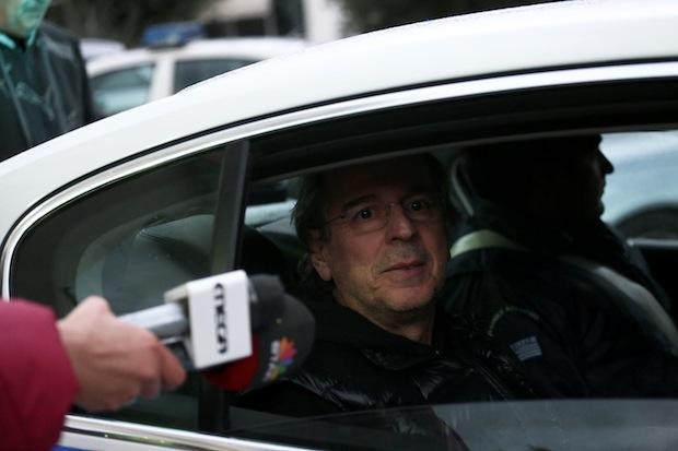 Ex Minister; Michalis Liapis; arrest; Police; road block; car; πρώην Υπουργός; Μιχάλης Λιάπης; συνελήφθη; αυτοκίνητο; μεγάλου κυβισμού; πλαστές πινακίδες