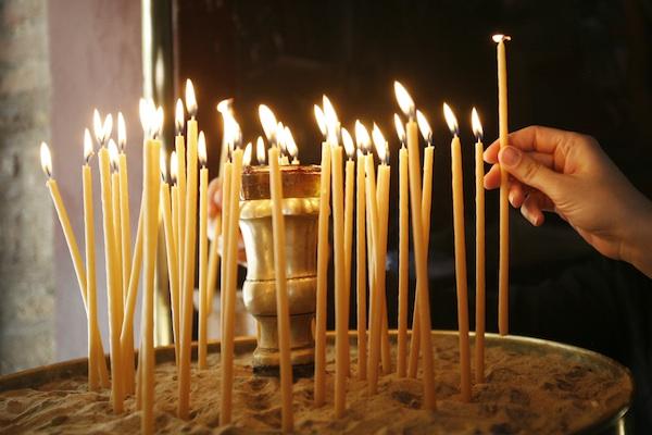 Αποκαθήλωση  Μεγάλη Παρασκευή  Μονή Πεντέλης ορθοδοξία πίστη παράδοση σταυρός  Ιησούς Χριστός τελετουργία προσκύνημα